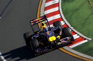 Webber pips Vettel to third as F1 season hots up