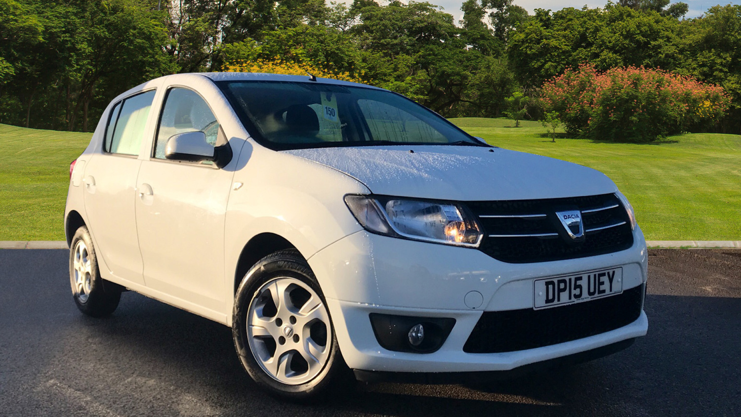 used dacia sandero 1 5 dci laureate 5dr diesel hatchback for sale vertu honda. Black Bedroom Furniture Sets. Home Design Ideas