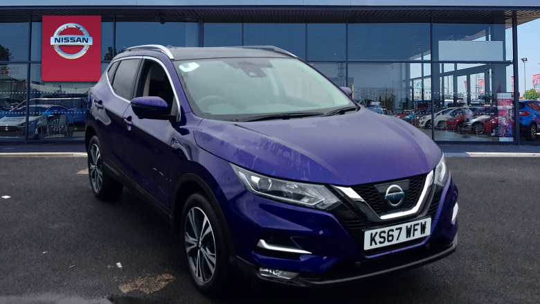 Nissan Qashqai 1.2 DiG-T N-Connecta [Glass Roof Pack] 5dr Xtronic Petrol Hatchback