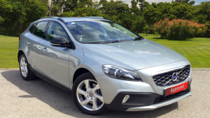 Volvo V40 D2 [120] Cross Country Lux Nav 5Dr Diesel Hatchback