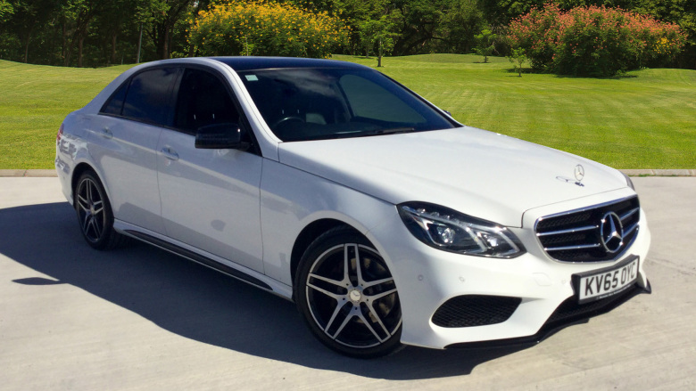 Mercedes-Benz E-Class E300 BlueTEC Hybrid AMG Night Ed 4dr 7G-Tronic Diesel/Electric Hybrid Saloon