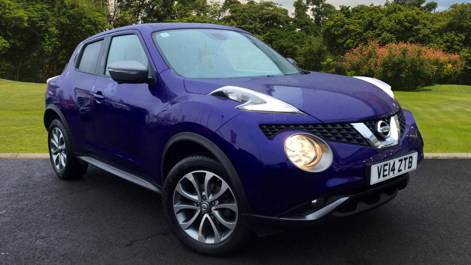 used nissan juke 1 6 tekna 5dr xtronic petrol hatchback for sale vertu honda. Black Bedroom Furniture Sets. Home Design Ideas