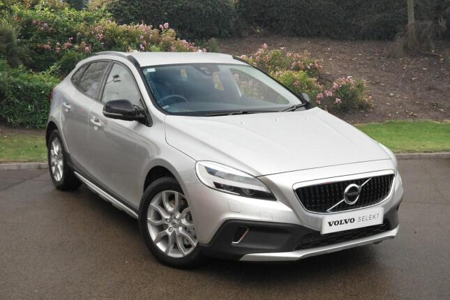 Volvo V40 D2 [120] Cross Country Pro 5Dr Geartronic Diesel Hatchback