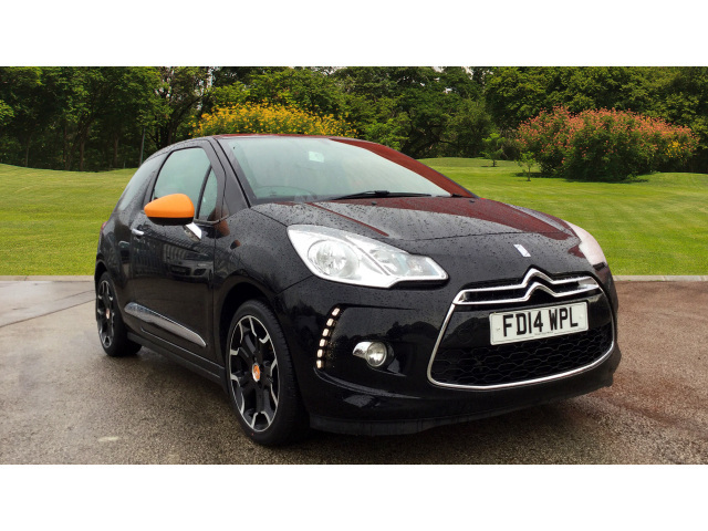 Enquire on a used citroen ds3 1 2 vti dsign by benefit 3dr for Honda civic 20017